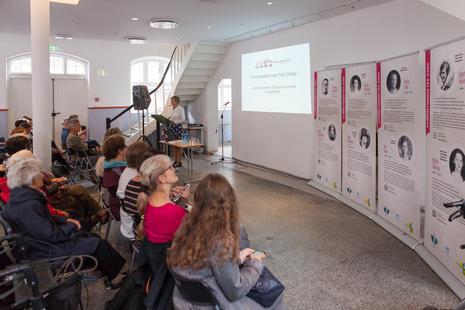 Kvinnestemmer frå Odda, utstilling og foredrag i Litteraturhuset.
