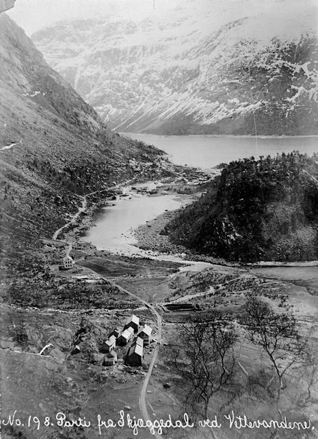 Parti frå Skjeggedal med Vetlevatn og Ringedalsvatn