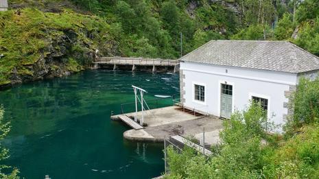 Inntaksbygg ved Vetlevatn