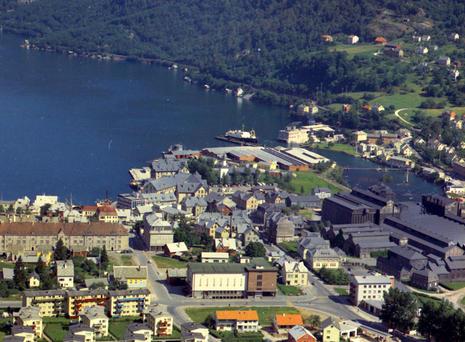 Flyfoto av Odda sentrum